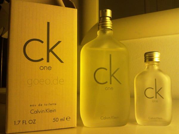 CK One 50 ml und kleine Probierflasche